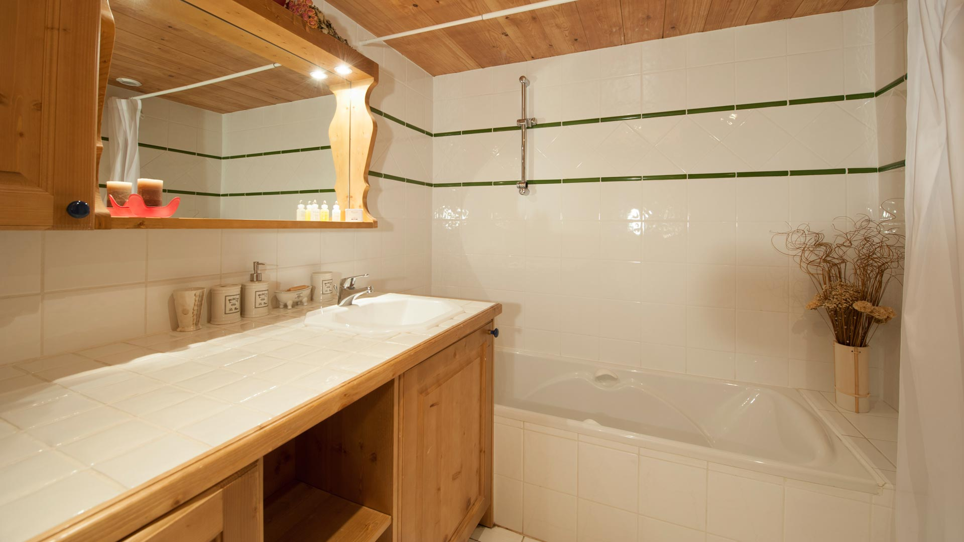 Bathroom in Sainte Foy Apt. in Ste Foy