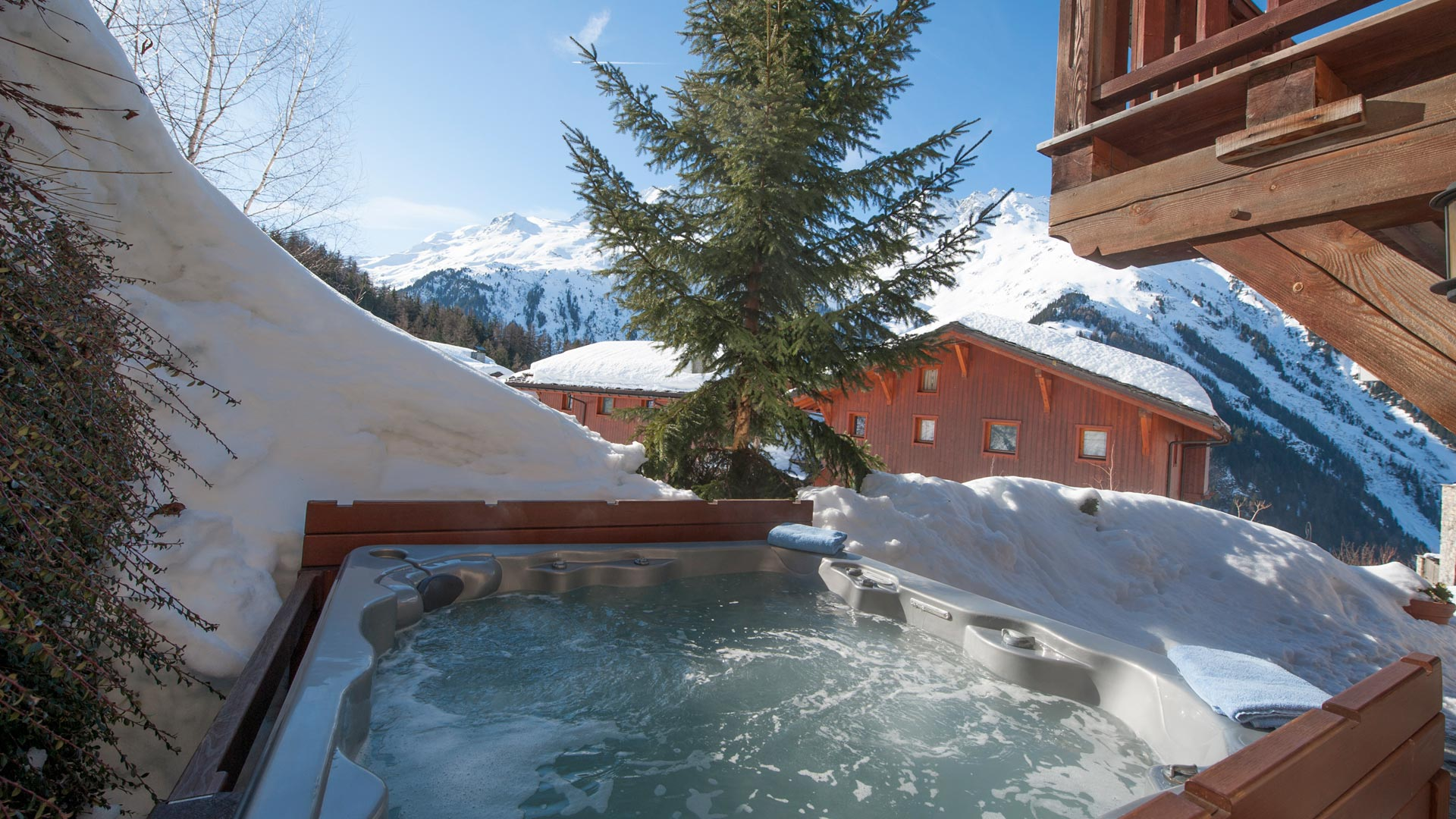 Hot Tub in Sainte Foy Apt. in Ste Foy