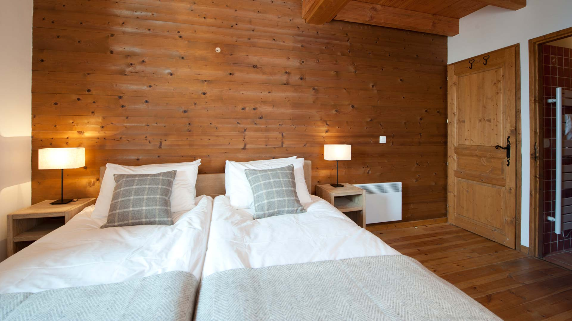 Twin Bedroom in Cheval Blanc Chalet in Ste Foy