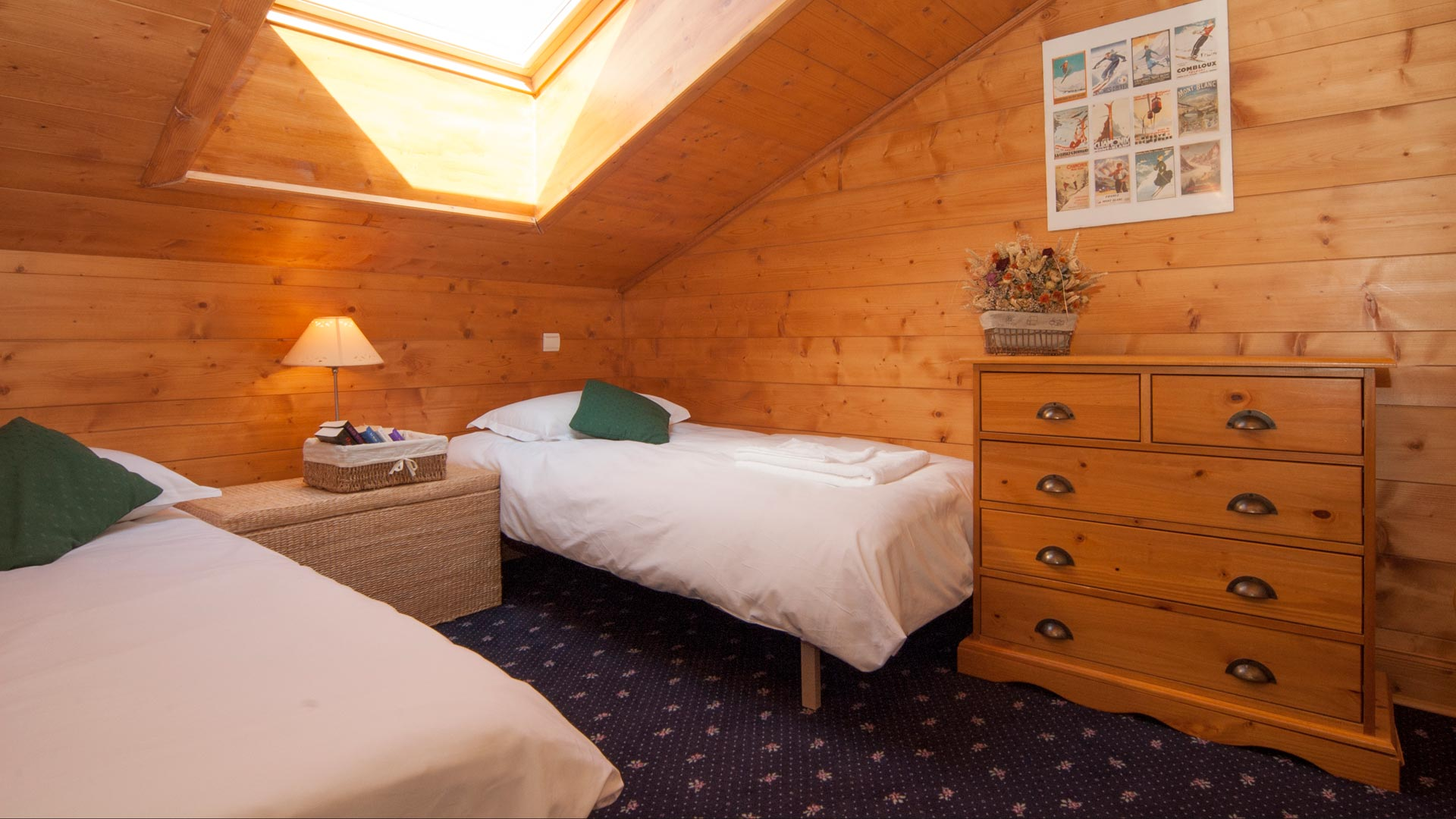Twin Bedroom in Genepi Apartment in Sainte Foy