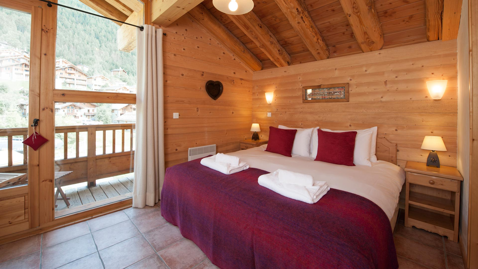 Double/Twin Bedroom in Le Rocher Blanc Apartment in Ste Foy