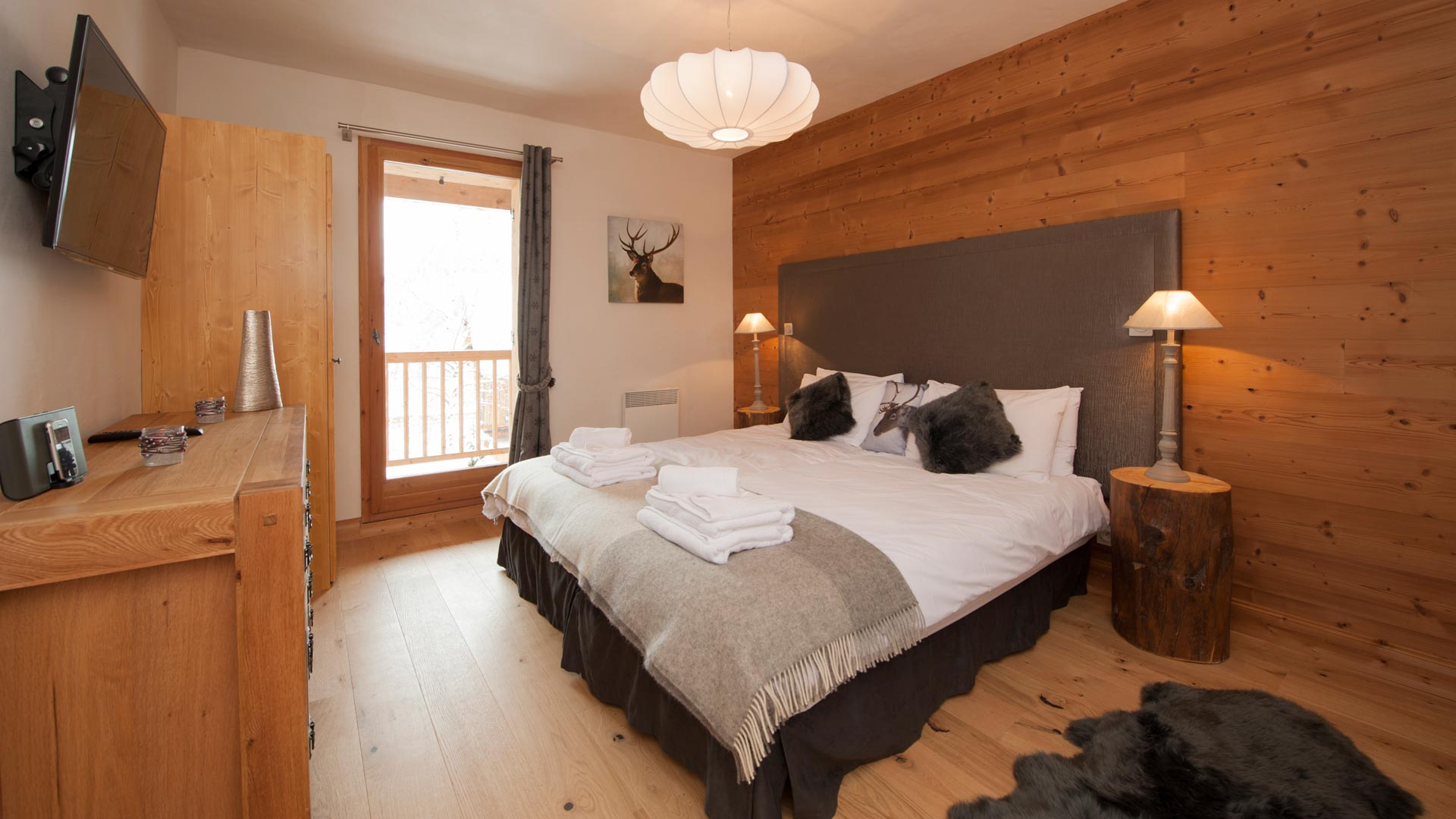 Double/Twin Bedroom in La Marquise Chalet in Ste Foy