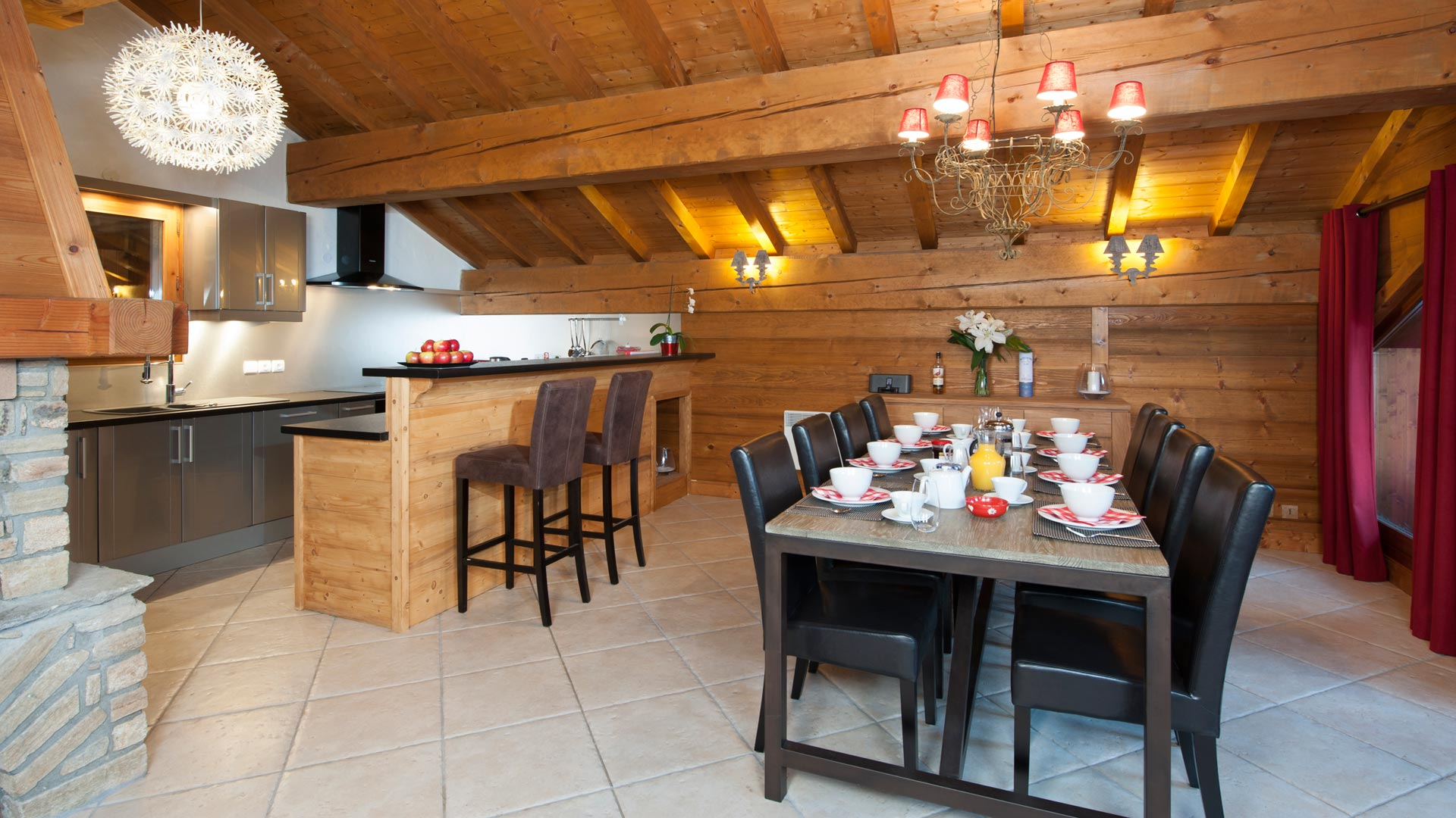 Dining Area in The North Face Chalet in Ste Foy