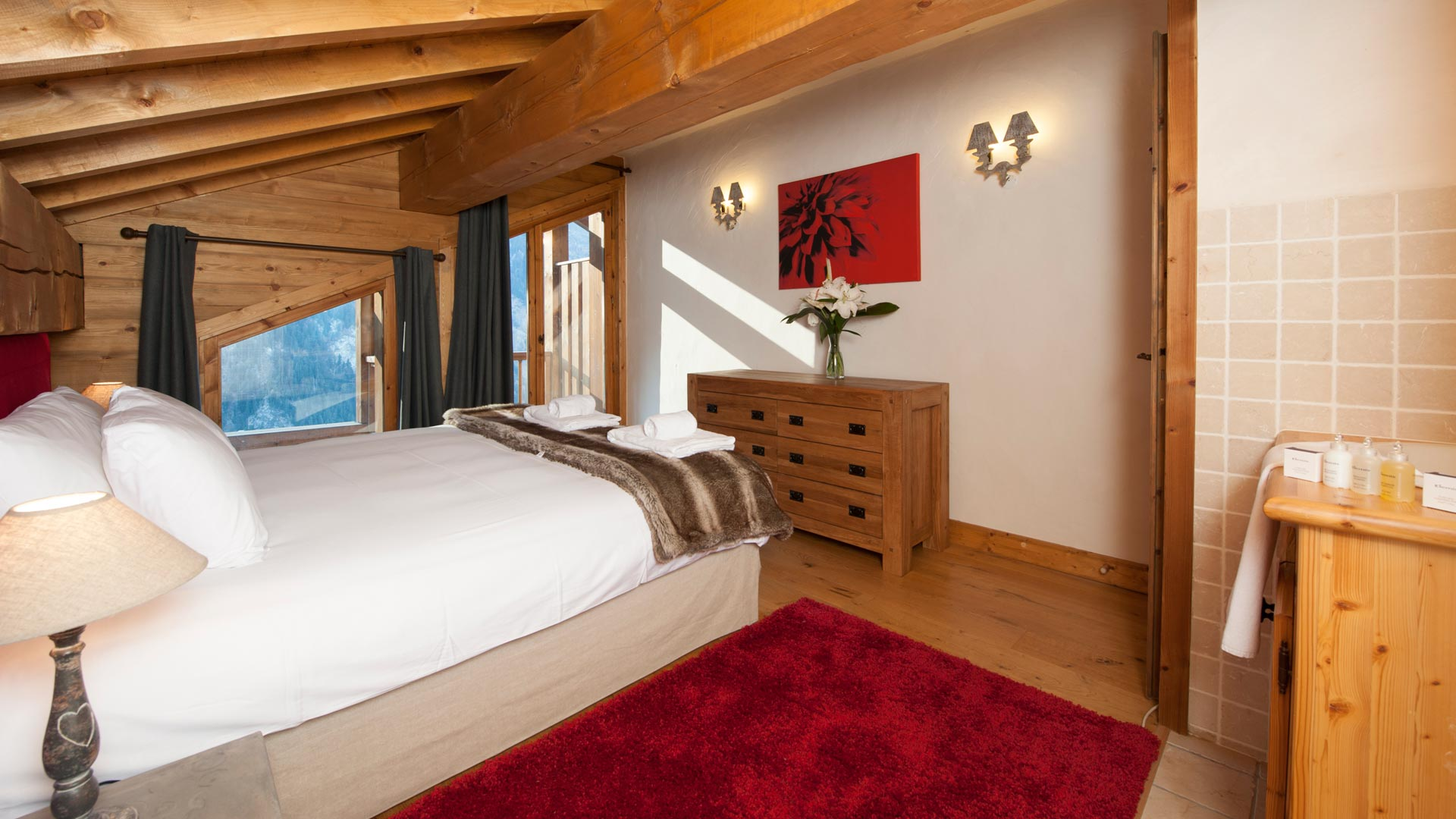 Double/Twin Bedroom in The North Face Chalet in Ste Foy