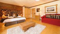 Double/Twin Bedroom in The Peak Chalet in Ste Foy