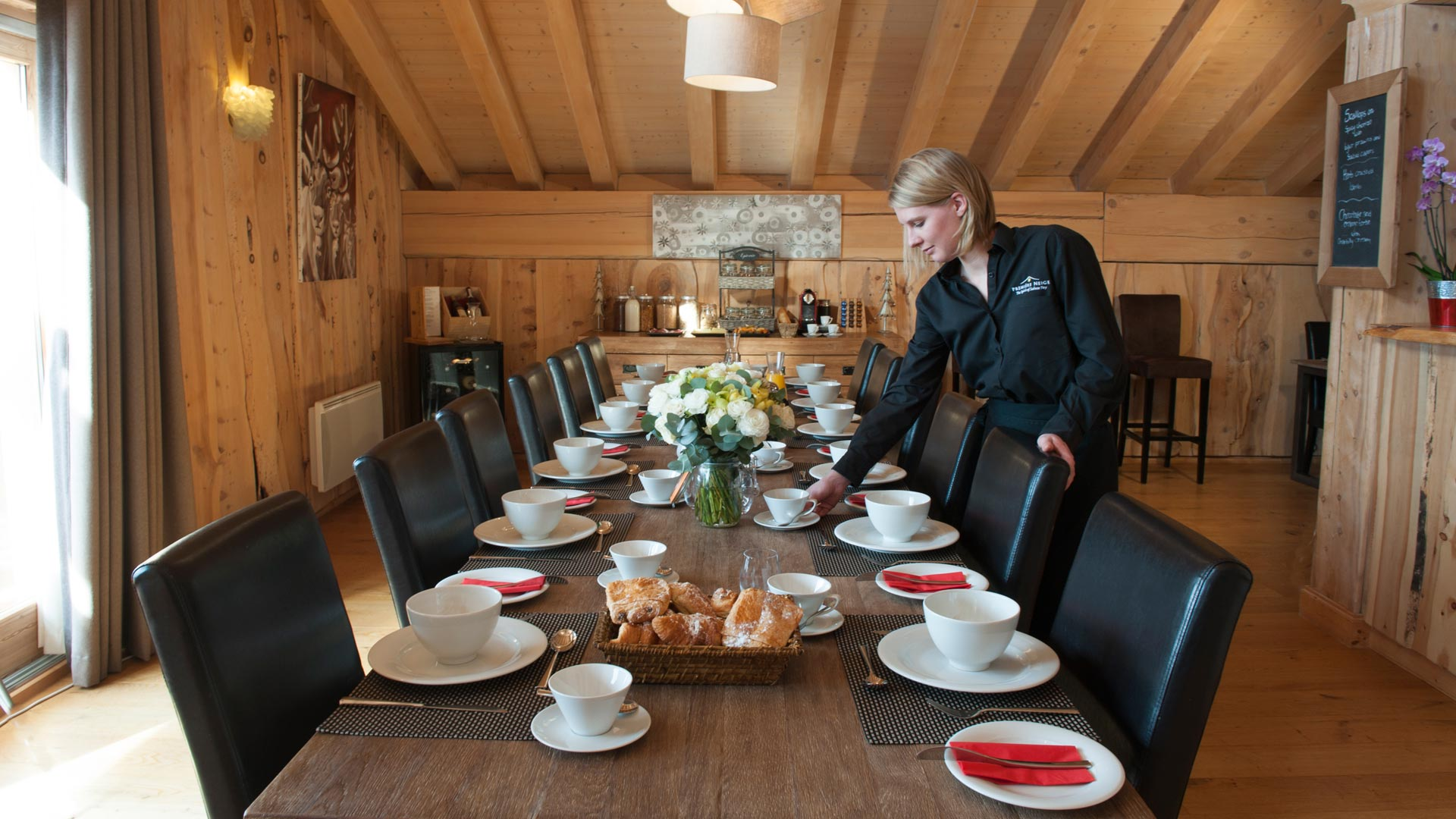 Dining Area in The Peak Chalet in Ste Foy