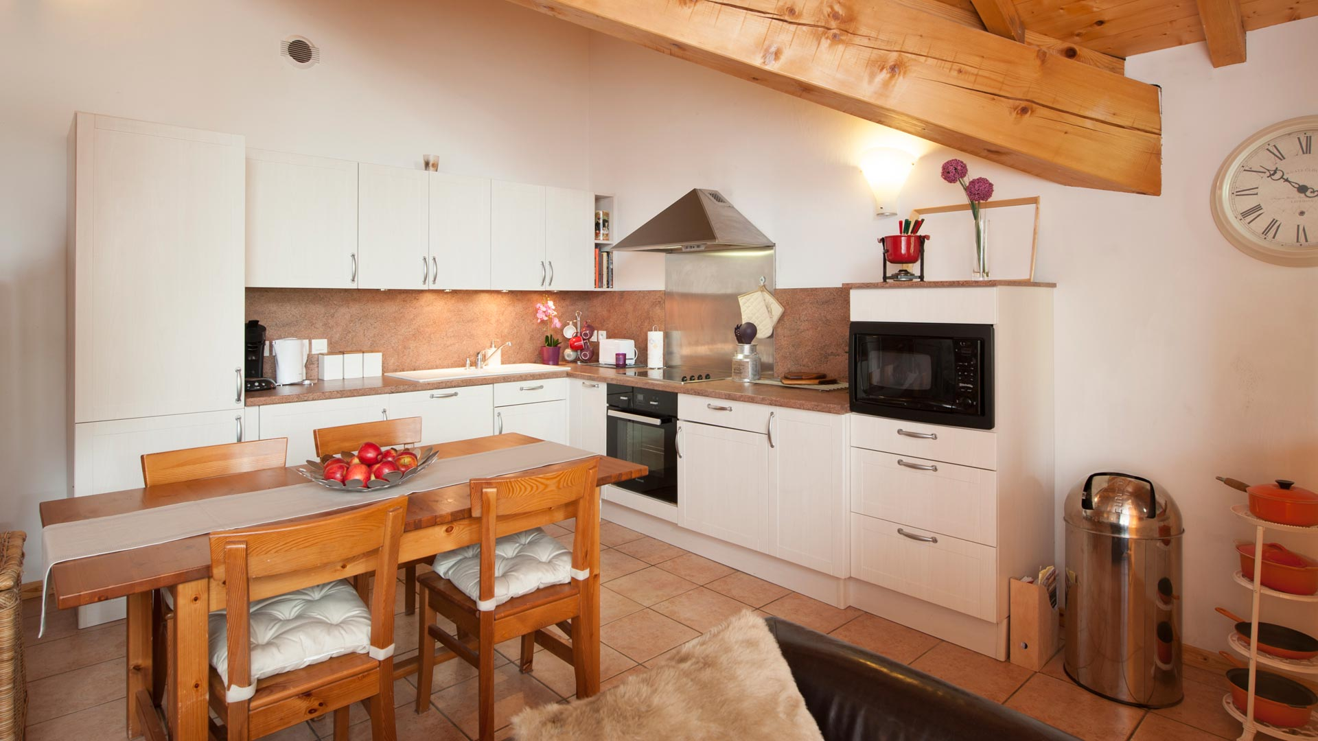 Kitchen Area in in Le Petit Paradis Apartment in Ste Foy