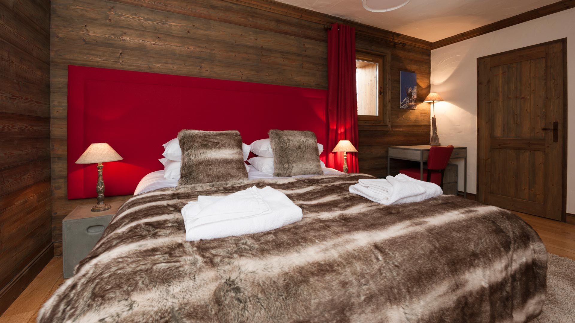 Double/Twin Bedroom in The South Face Chalet in Ste Foy
