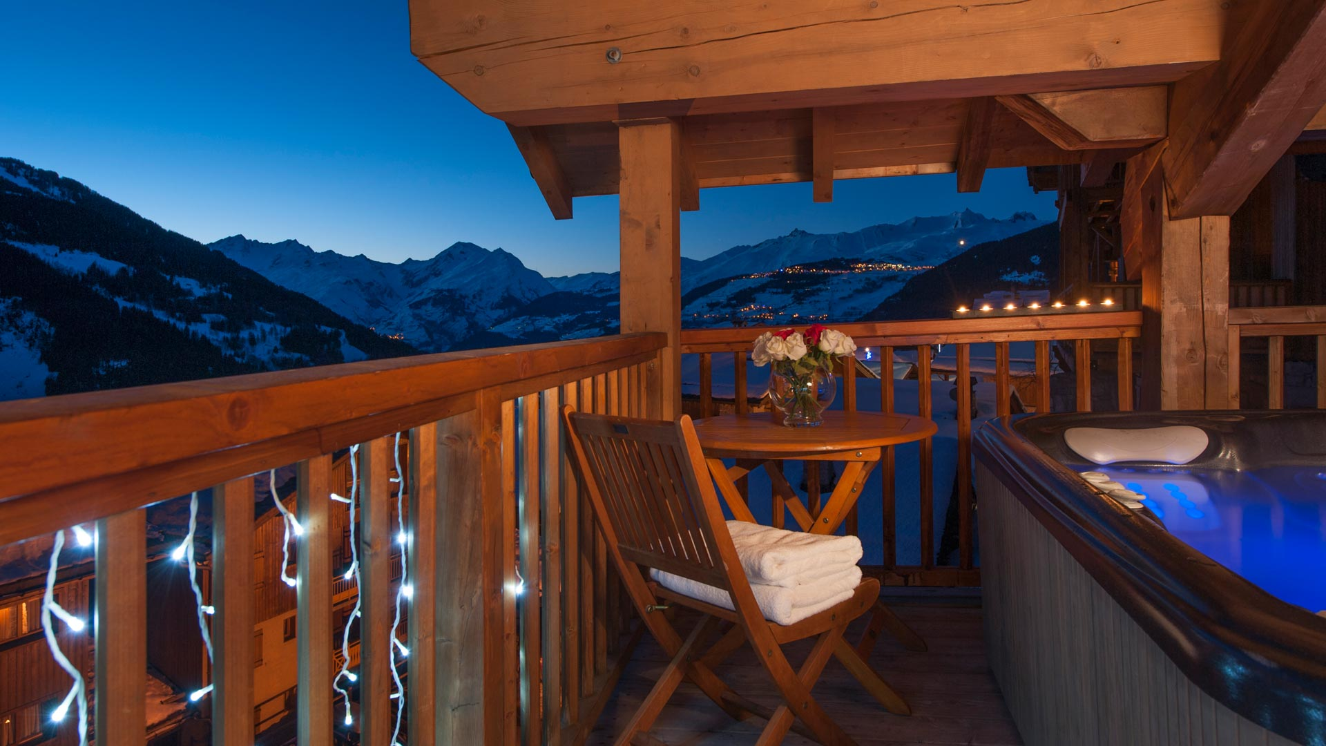 Balcony Hot Tub in The South Face Chalet in Ste Foy