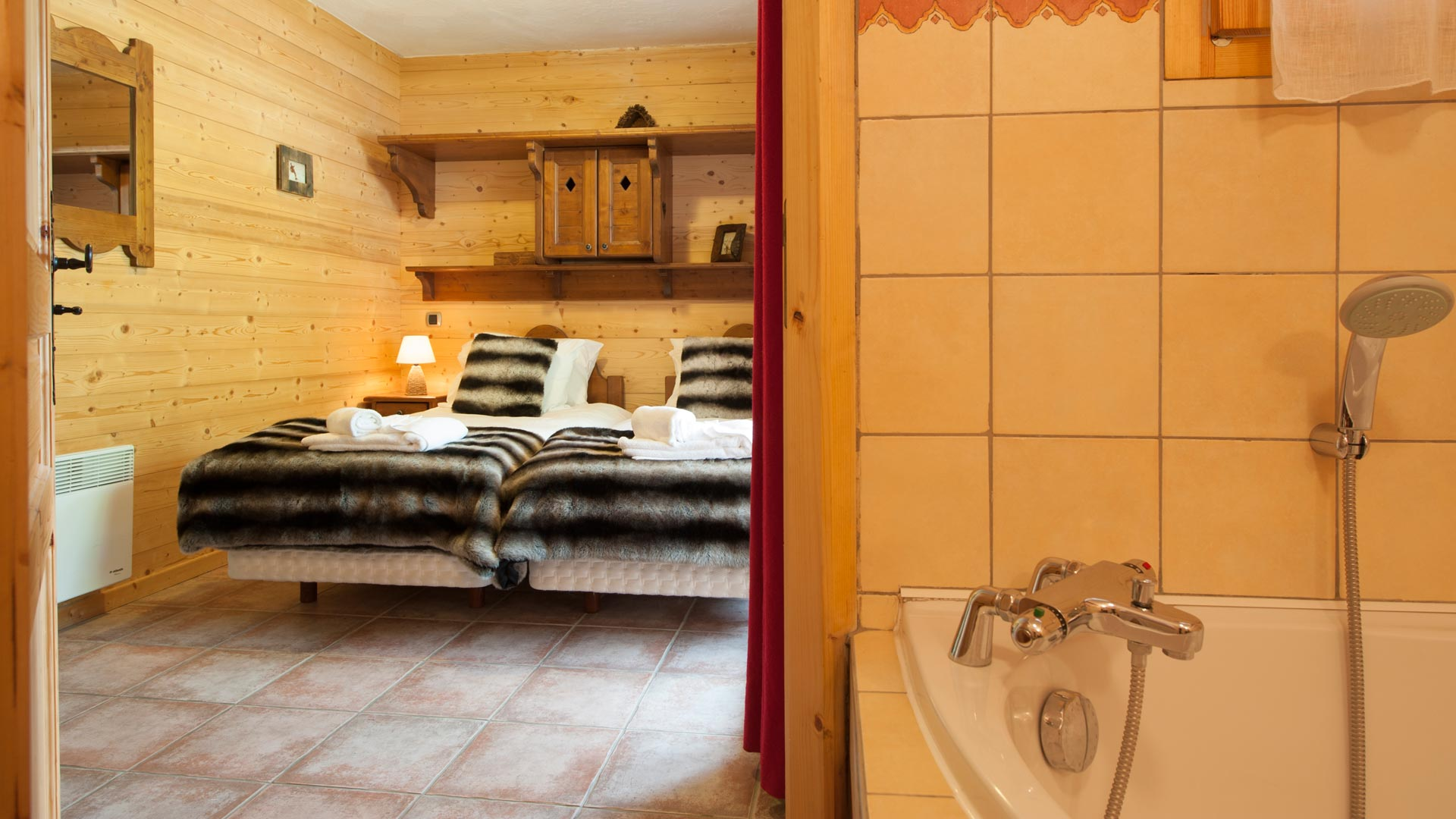 Twin Bedroom in La Vanoise Chalet in Ste Foy