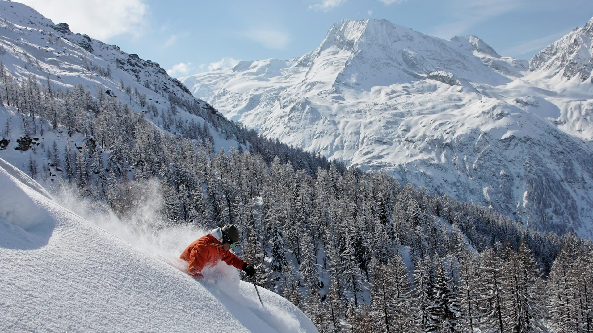 Off-piste skiing in Sainte Foy