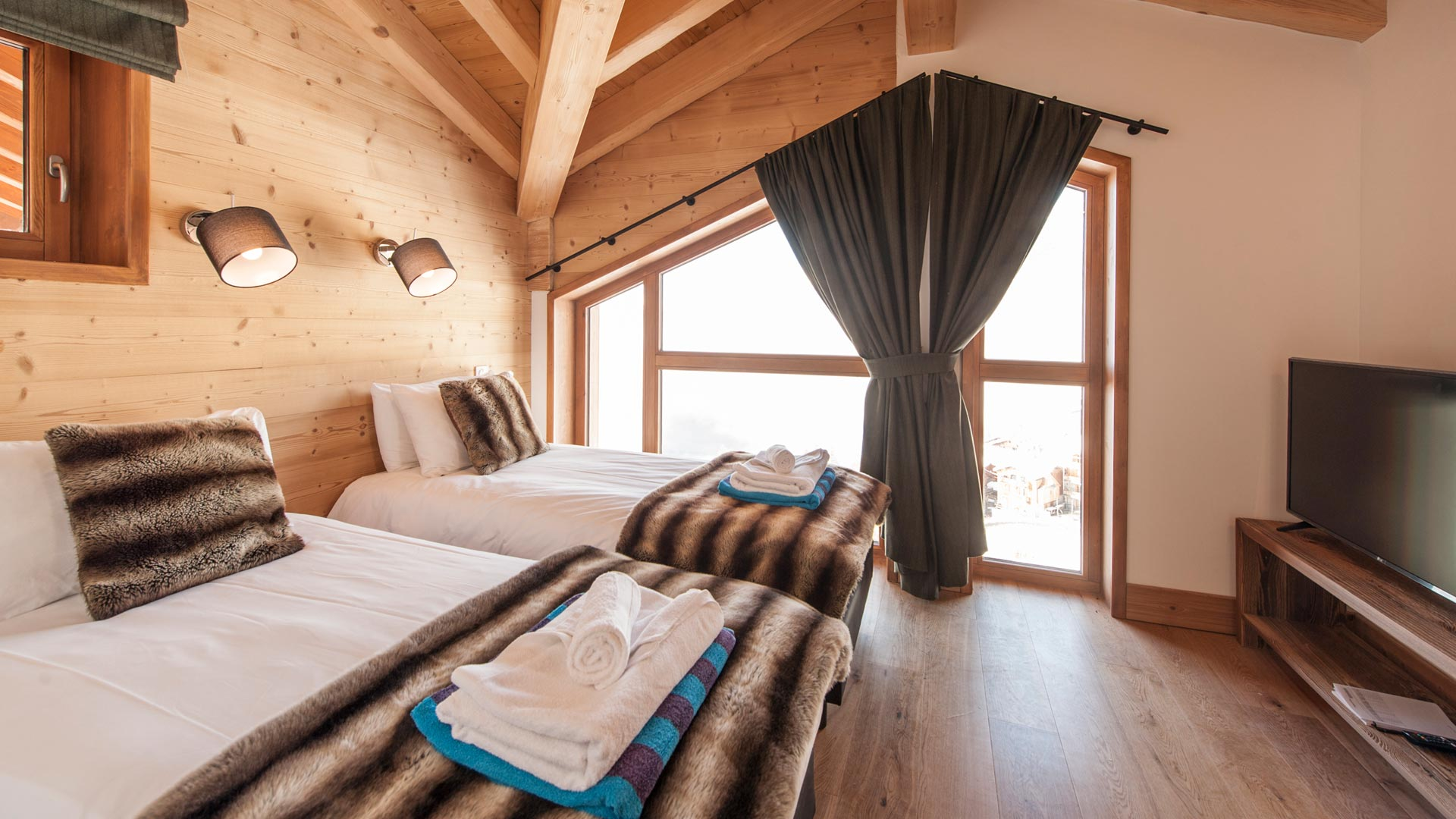 Bedroom 2 - Margaux Luxury Self catered chalet in Sainte Foy