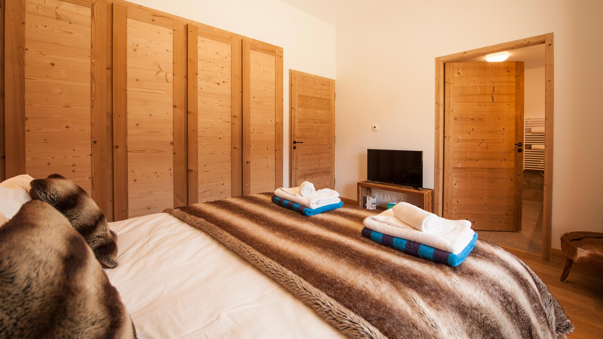 Bedroom 4 Rayas Luxury Self catered chalet in Sainte Foy