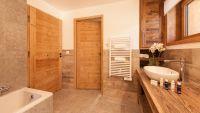 Bedroom 4 bathroom - Rayas Luxury Self catered chalet in Sainte Foy