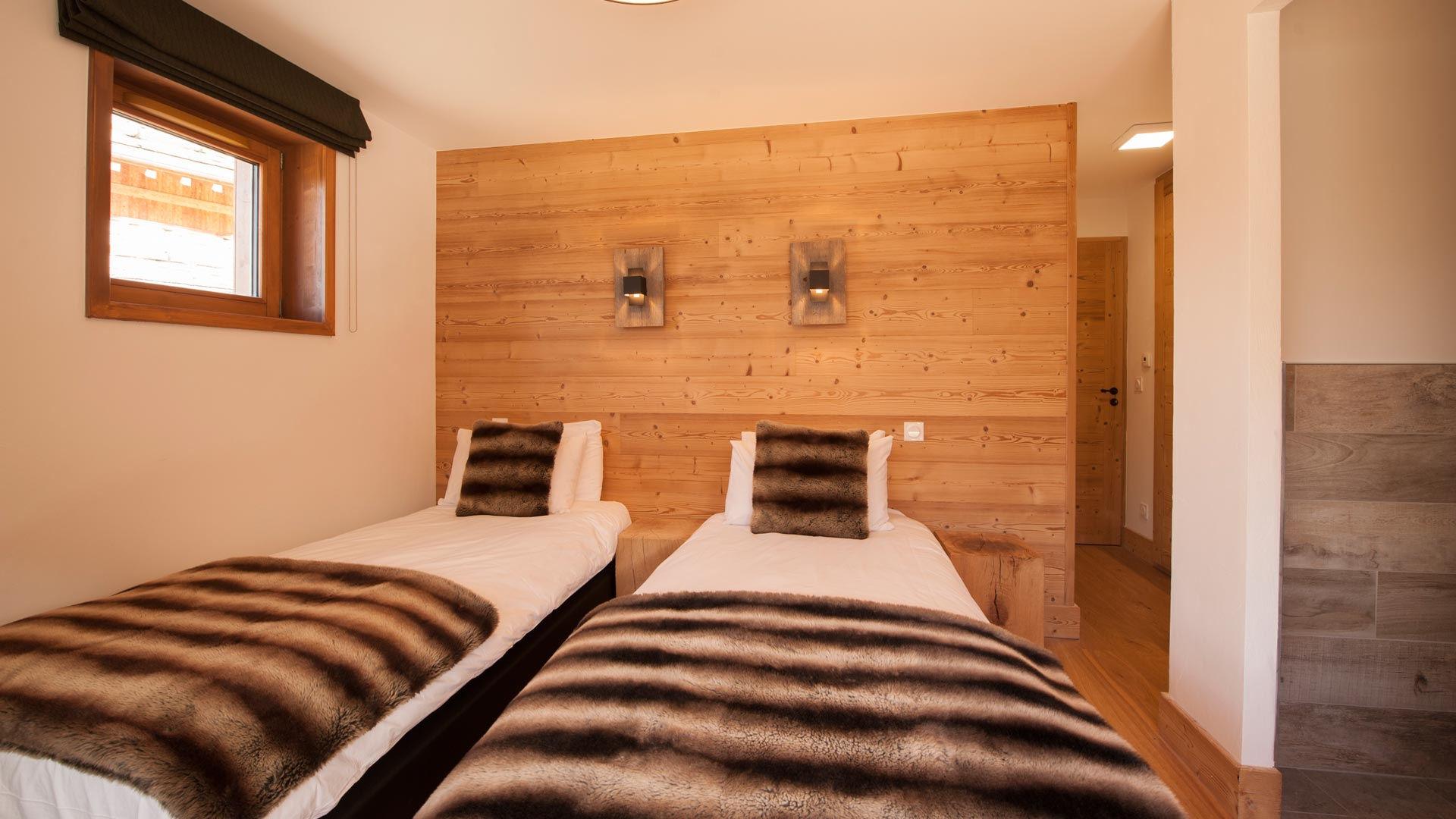 Bedroom 2- Rayas Luxury Self catered chalet in Sainte Foy