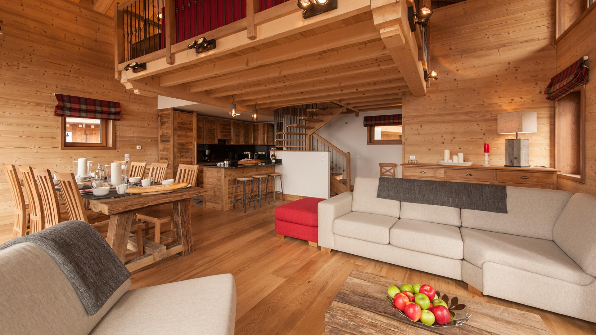 Living & dining room - Rayas Luxury Self catered chalet in Sainte Foy