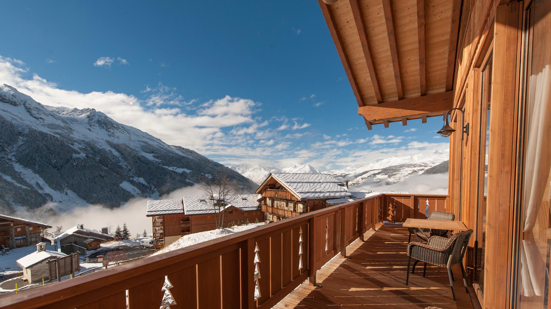 Living Room Balcony - Rayas Luxury Self catered chalet in Sainte Foy