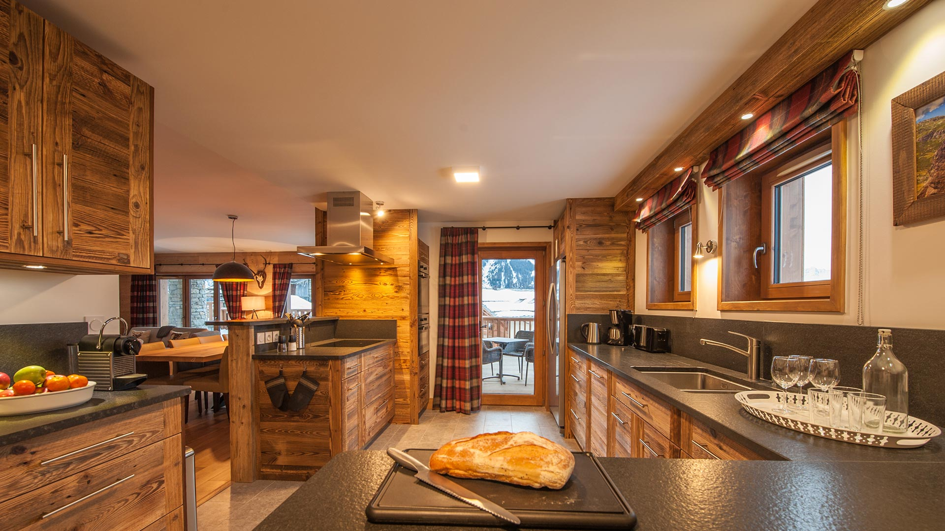 Kitchen - Margaux Luxury Self catered chalet in Sainte Foy