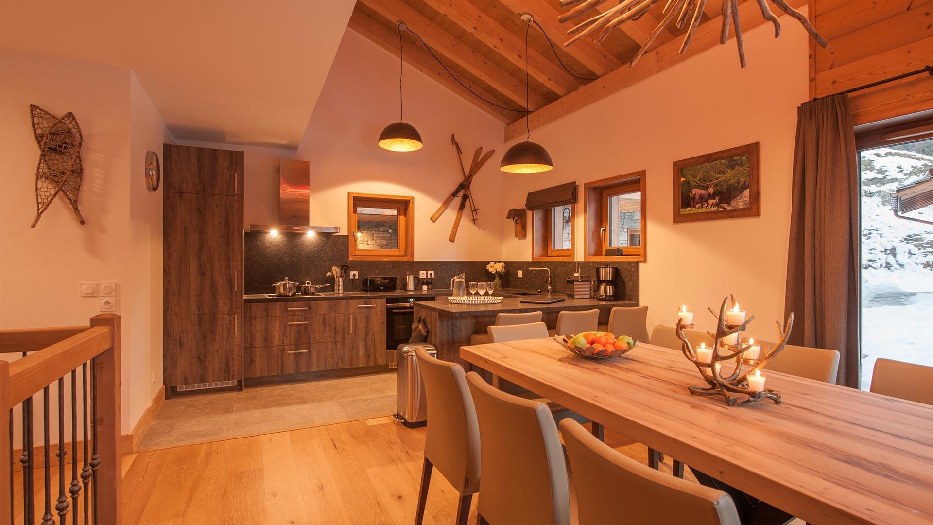 Kitchen - Luxury self catered Estournel Chalet, Les Hauts du Monal, Sainte Foy