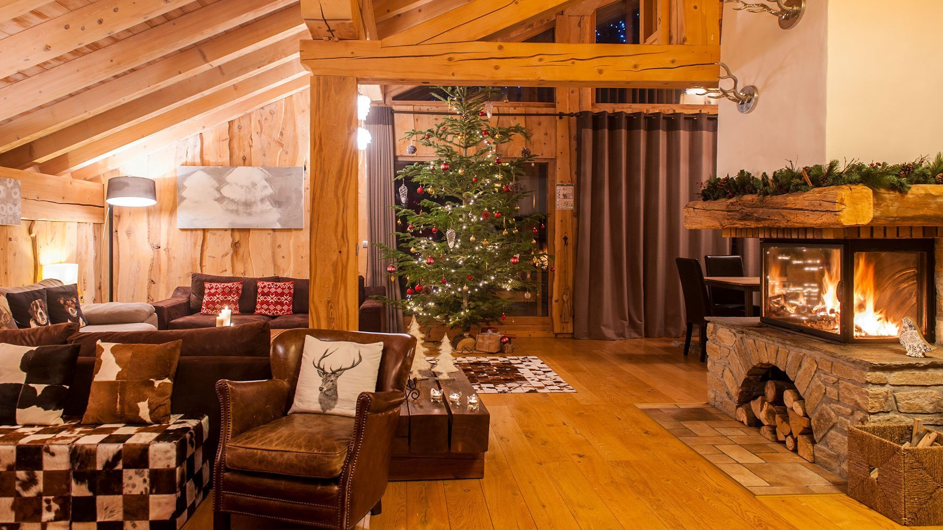 The Peak Luxury catered chalet at Christmas