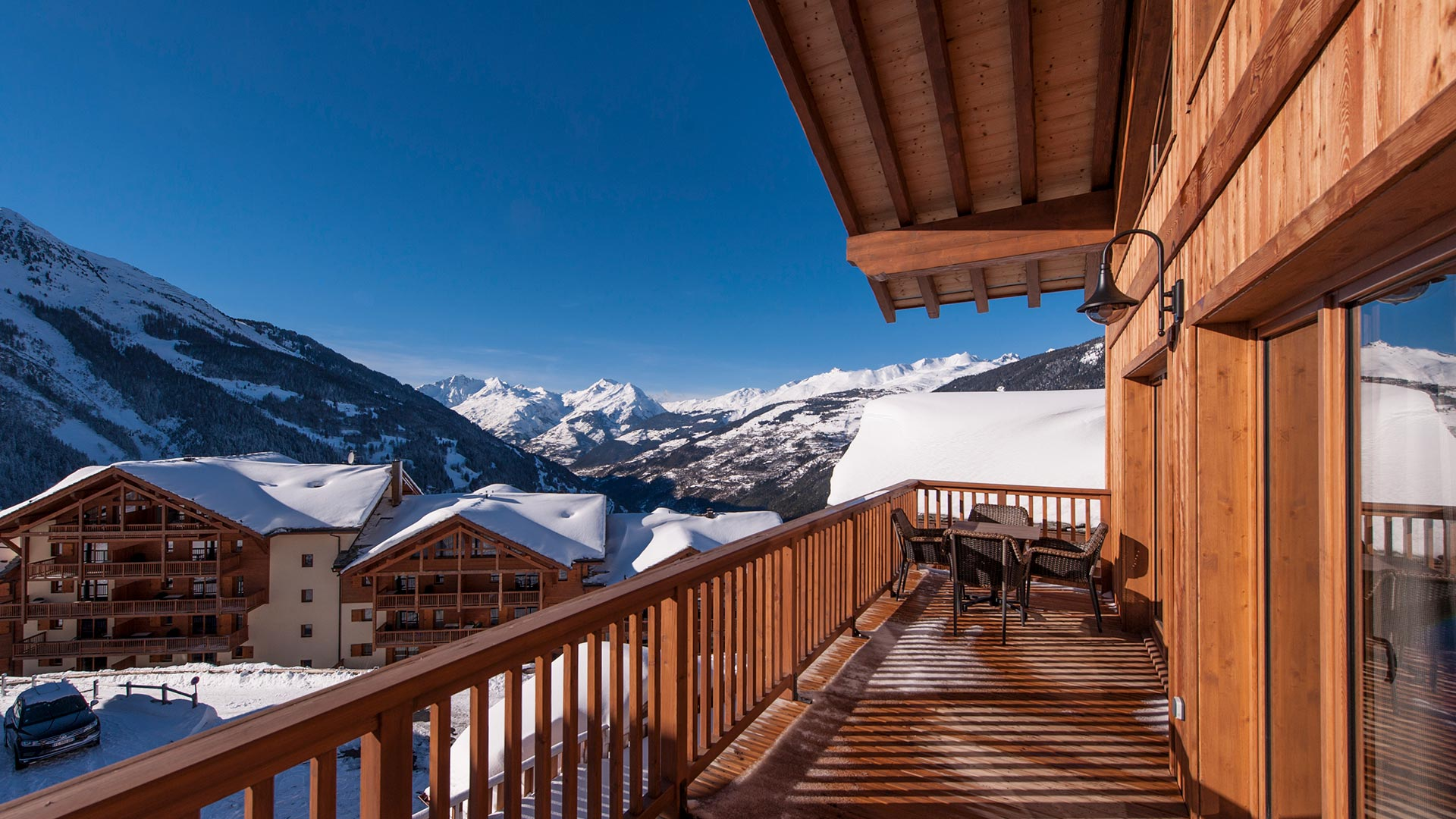 The balcony surrounding the living area in Latour Chalet.