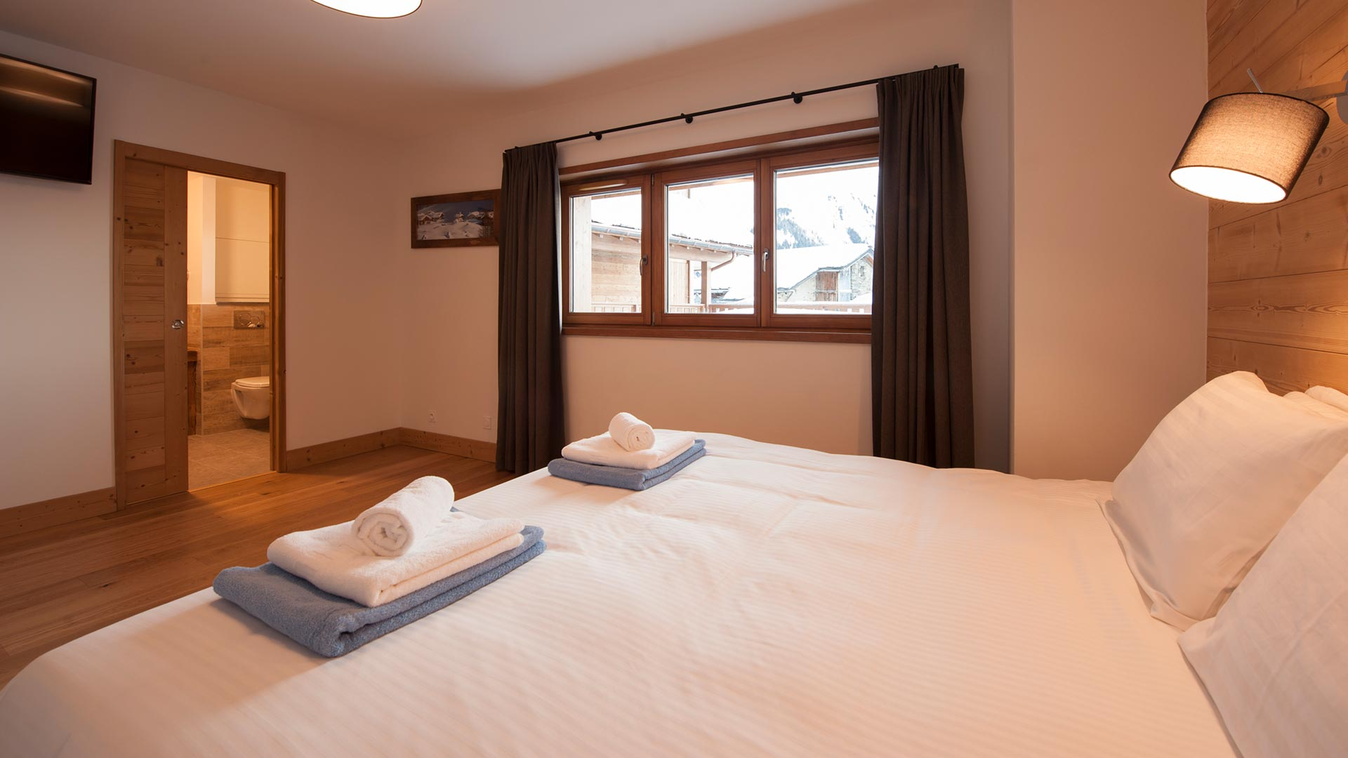Bedroom 1 Latour Luxury self catered chalet in Sainte Foy