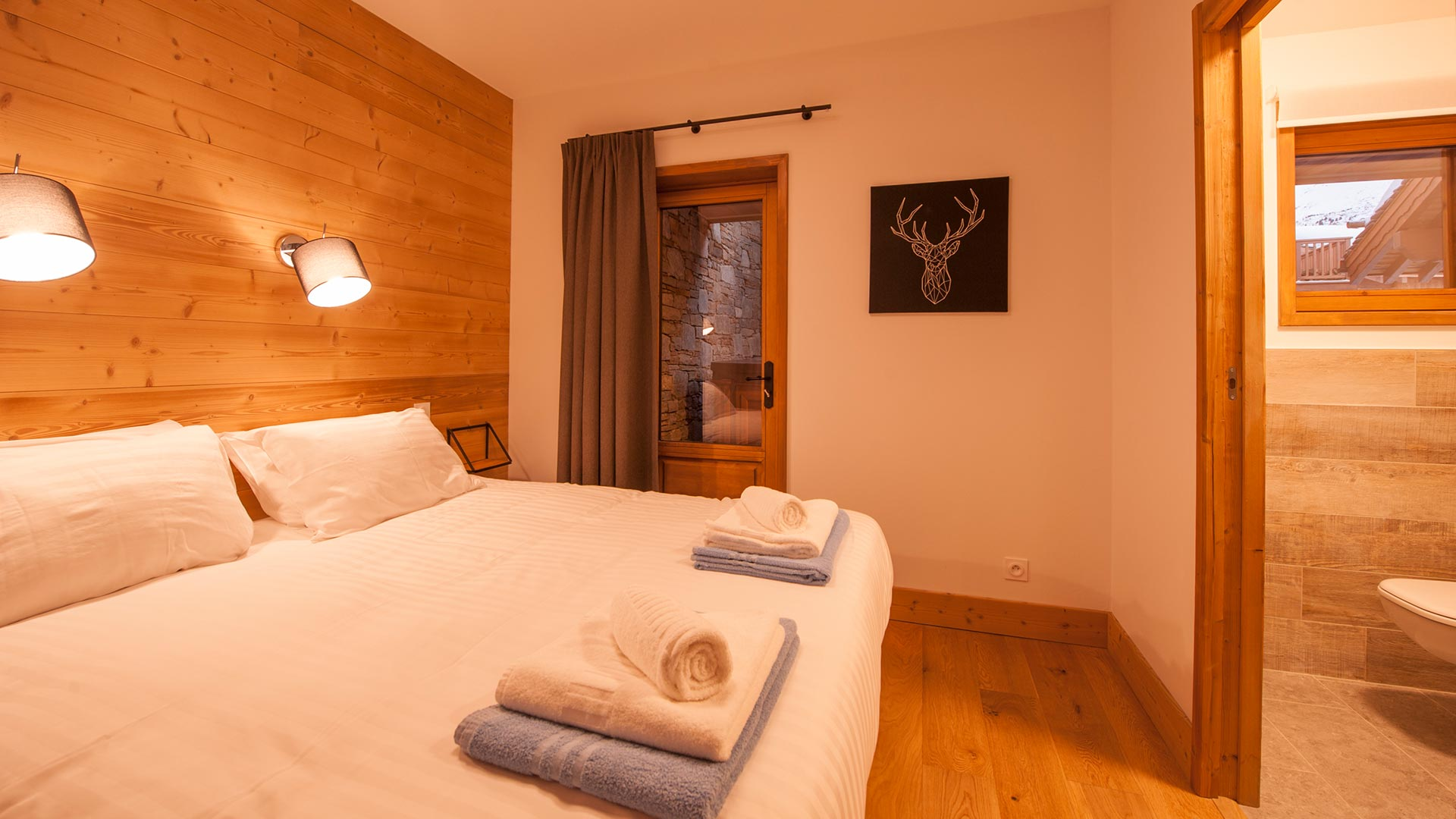 Bedroom 4 Luxury self-catered Chalet Latour