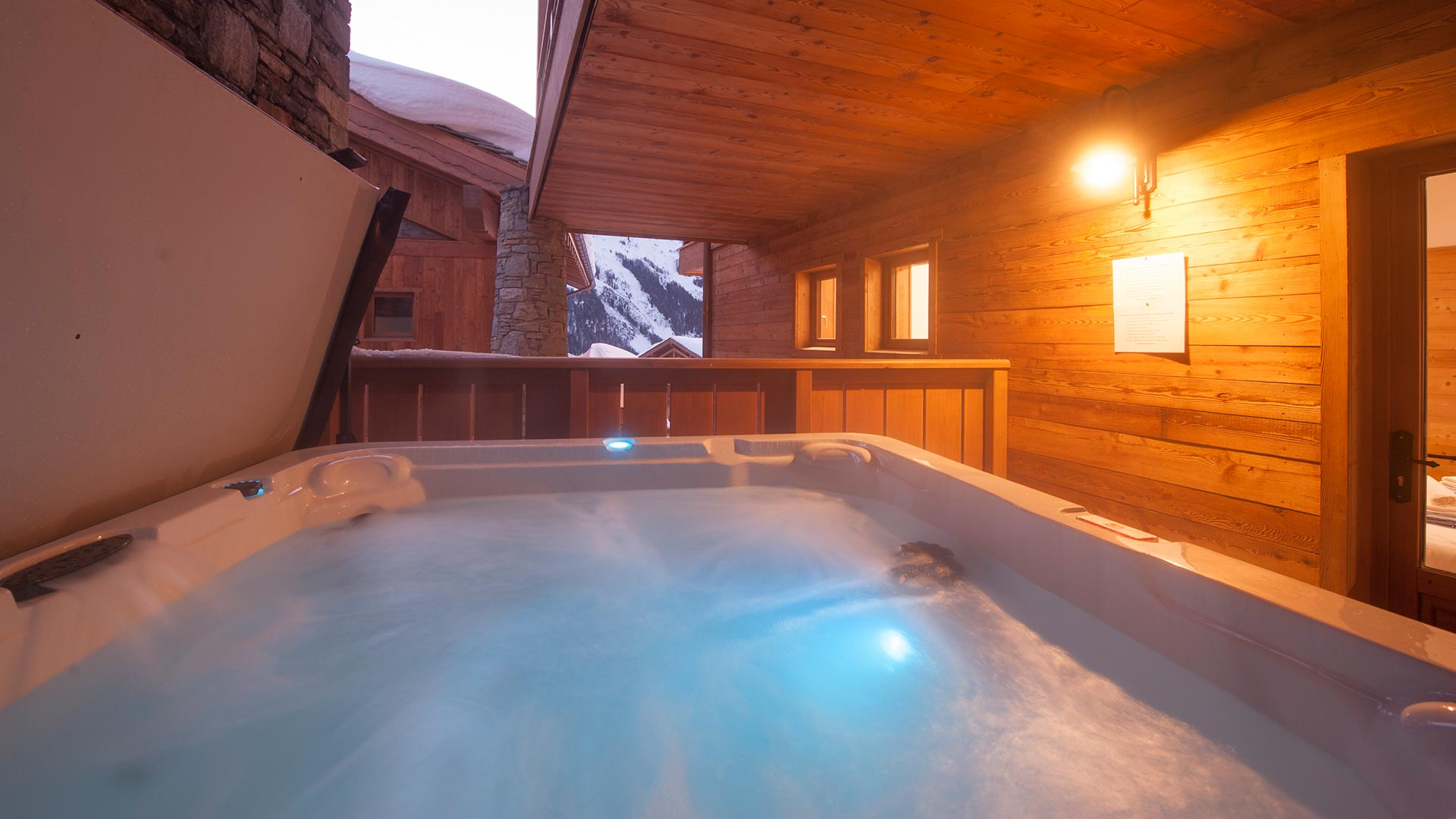 The Hot-tub in Luxury self-catered chalet Latour in Sainte Foy
