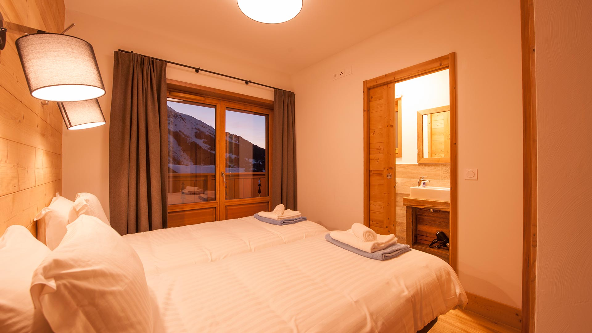 Bedroom 3 Luxury self-catered Chalet Latour