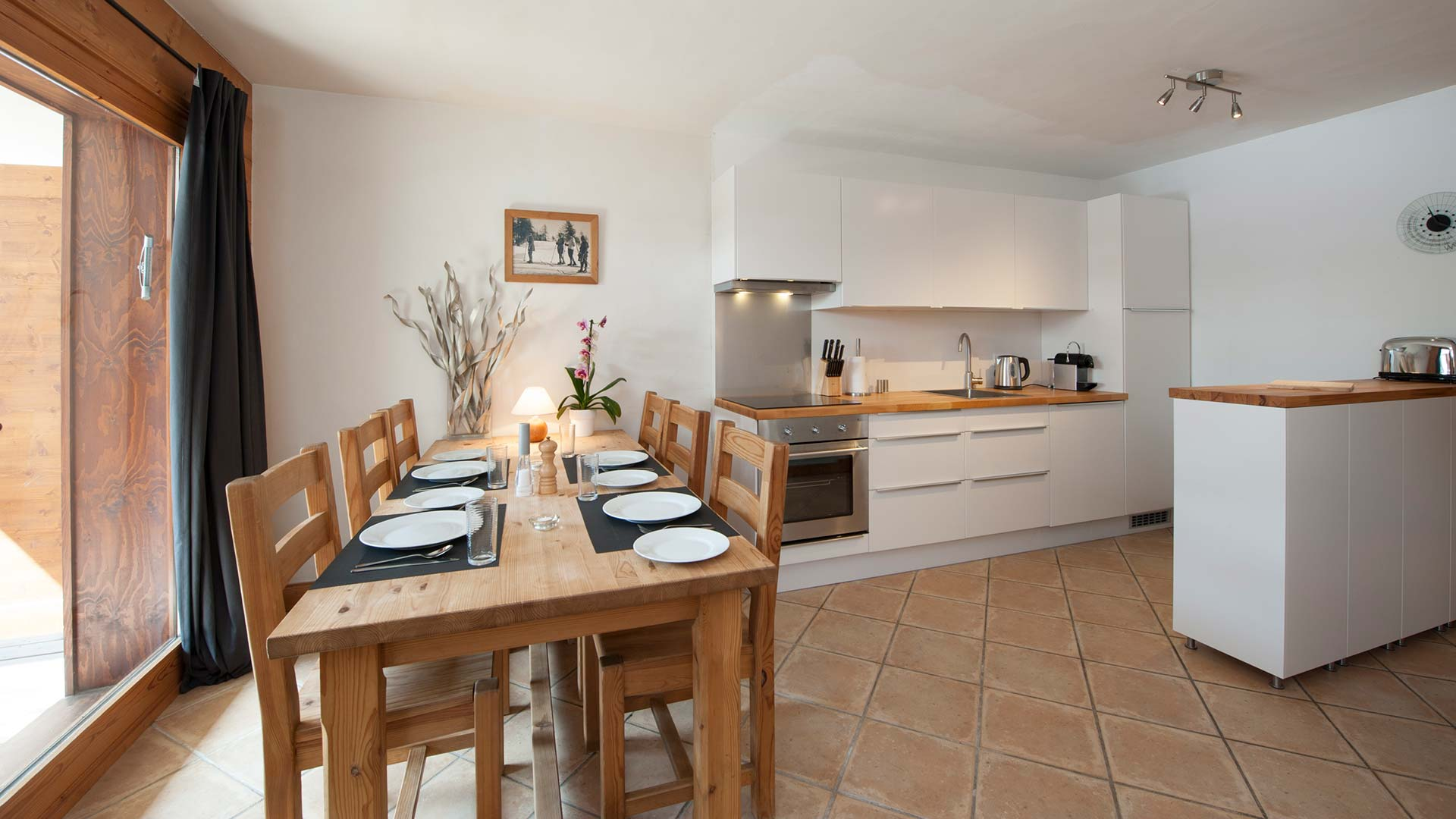 Apartment Agneau dining room & kitchen, sleeps 4, self catering.