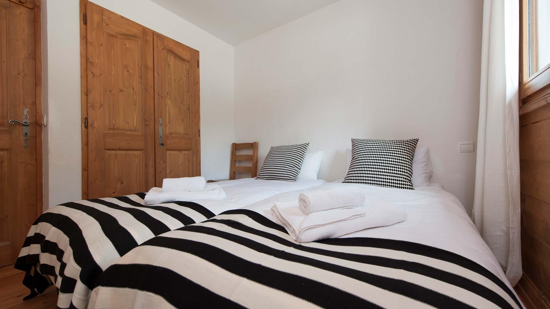 Premiere Neige Apartment Agneau bedroom, sleeps 4, self catering., sleeps 4, self catering.